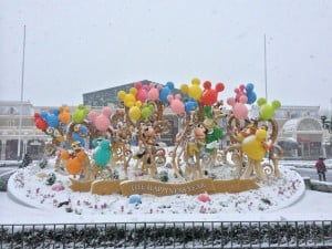 30th Anniversary at Tokyo Disneyland Covered in Snow