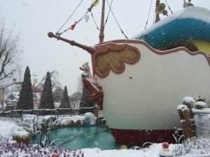 Daisy Duck must be freezing in the snow