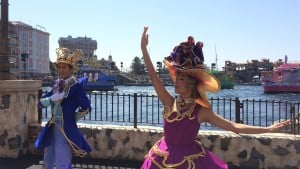 Fashionable Easter at Tokyo DisneySea American Waterfront Dancers Upclose