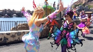 Fashionable Easter at Tokyo DisneySea Dancers Costume Change