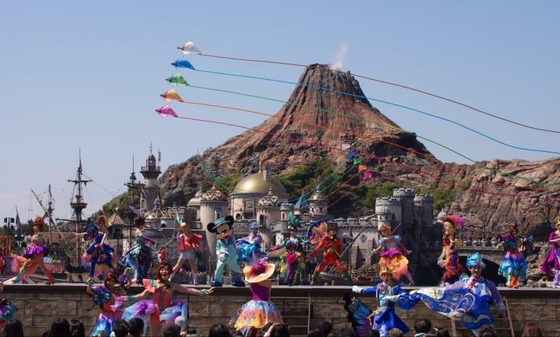 Fashionable Easter at Tokyo DisneySea Kites