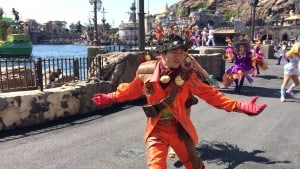 Fashionable Easter at Tokyo DisneySea Mysterious Island Male Dancer Upclose