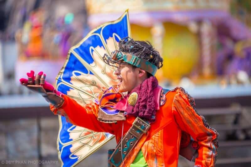 Fashionable Easter Tokyo DisneySea Mysterious Island Performer Costume Upclose