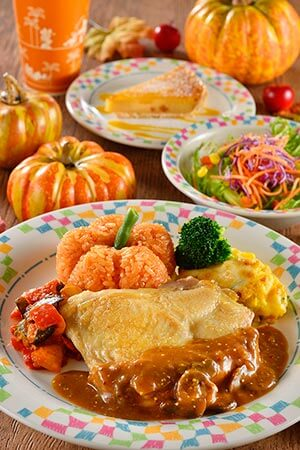 Special Set ¥1,580 Chicken with a Grain Mustard Sauce, ketchup Rice Mini Salad Apple Tart Soft Drink Available at Grandma Sara's Kitchen