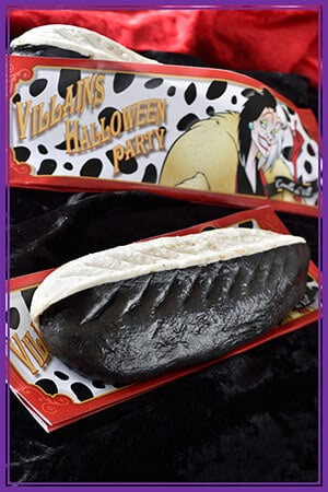 Gyoza Dog ¥550 Inspired by Cruella de Vil Available at Refreshment Station