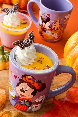 Purple Sweet Potato Pudding, with Souvenir Cup ¥720 Available at Sweetheart Cafe
