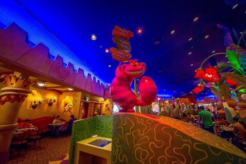 Queen of Hearts Banquet Hall Tokyo Disneyland Decor Chesire Cat