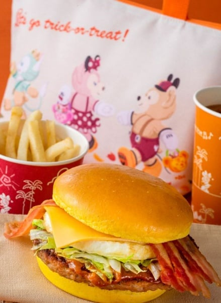 Special Set with Souvenir Lunch Case ¥1,950 (Meal Only ¥990)  Includes: Bacon Egg Burger French Fries Soft Drink