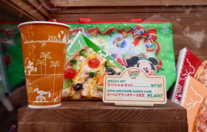 bbq-chicken-pizza-tokyo-disneyland-captain-hooks-galley