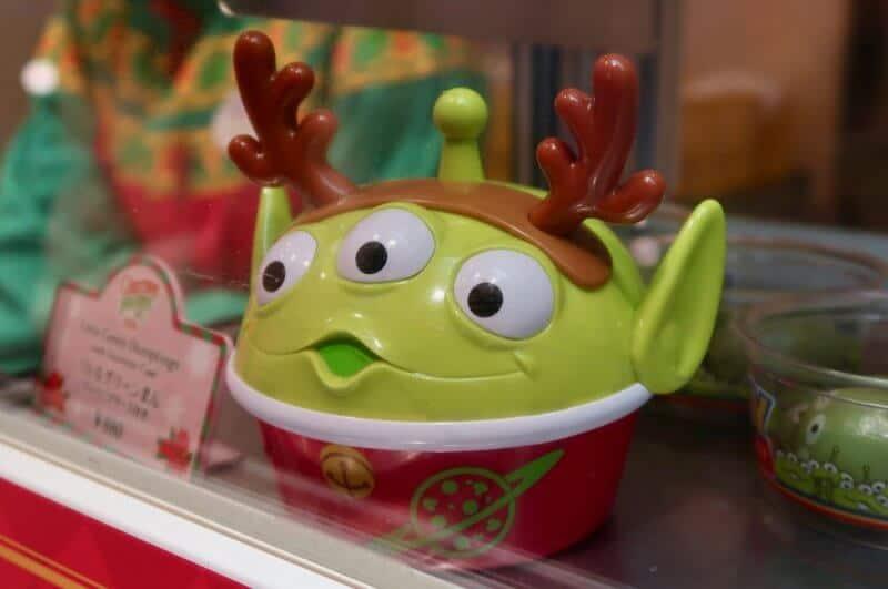 green-alien-mochi-case-christmas-tokyo-disneyland