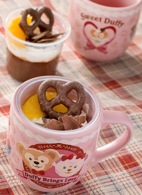 Chocolate Pudding, with a Souvenir Cup ¥880 Available at Cape Cod Cook-Off