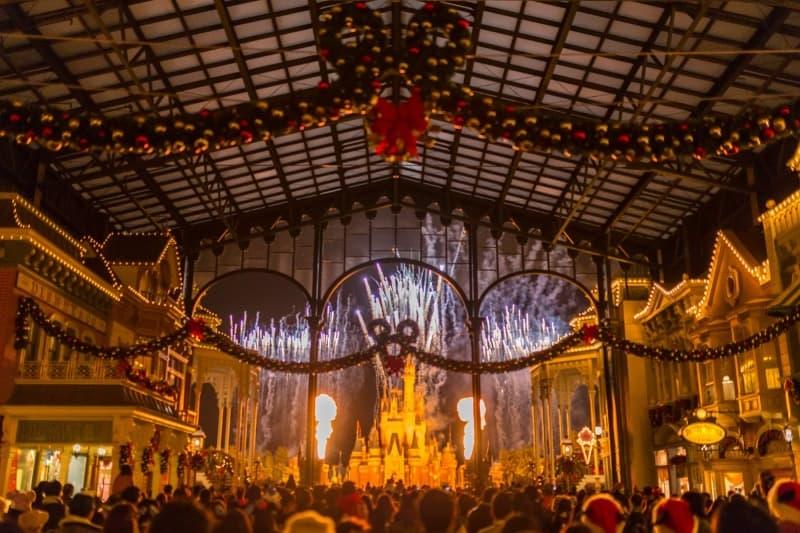 Tokyo Disneyland Fireworks Christmas Fantasy 2015