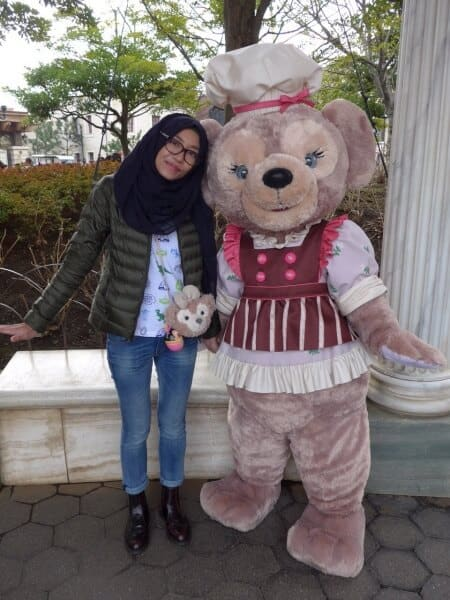 ShellieMay in Sweet Duffy Outfit Character Greeting 2015