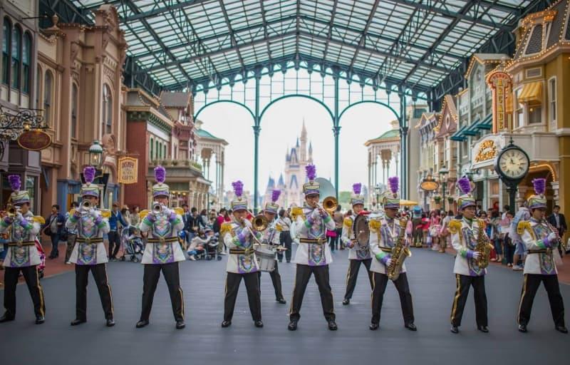Atmosphere Shows Tokyo Disneyland