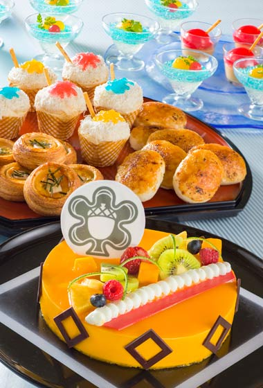 Sherwood Garden Buffet Dinner Adult ¥4,630 Children (7 to 12 Years) ¥3,300 Children (4-6 Years) ¥2,370 Available between 5.30 pm - 10.00 pm at Sherwood Garden Restaurant Please Note: Priority Seating is required