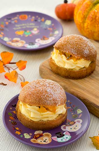 Milk Tea Puff Cake (Pumpkin Cream Filling) with Souvenir Plate ¥880