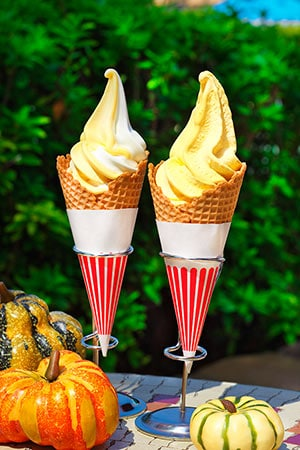 Soft Serve Ice Cream (Pumpkin/Mil or Mix) ¥310 Available from the following locations Rackety's Raccoon Saloon Troubadour Tavern Squeezer's Tropical Juice Bar Please note during this time the Tropical Sundae and both the Strawberry and Chocolate Soft Serve Ice Creams will not be offered