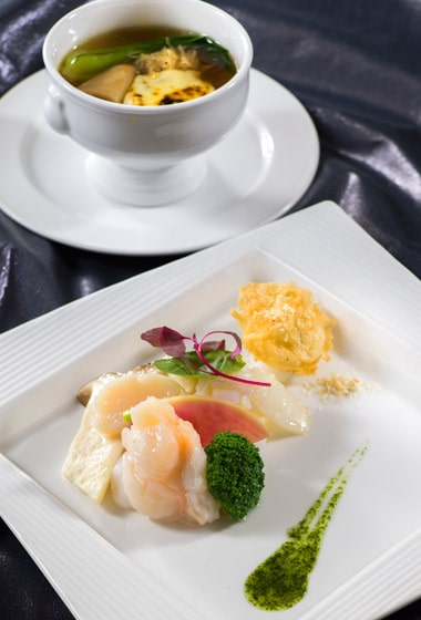 Silk Road Garden Dinner Set ¥13,380 (Only available December 20 - December 25)