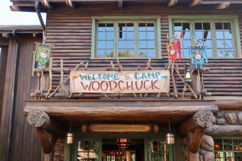 camp-woodchuck-kitchen-tokyo-disneyland-entrance