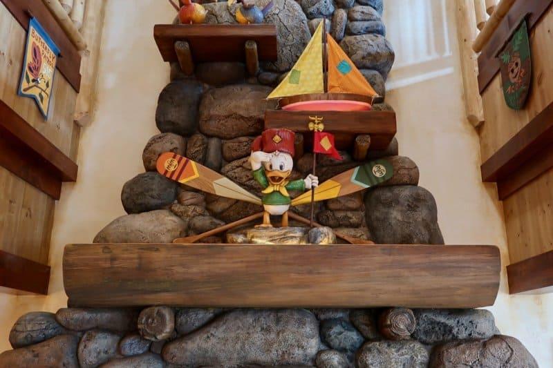 camp-woodchuck-kitchen-tokyo-disneyland-interior
