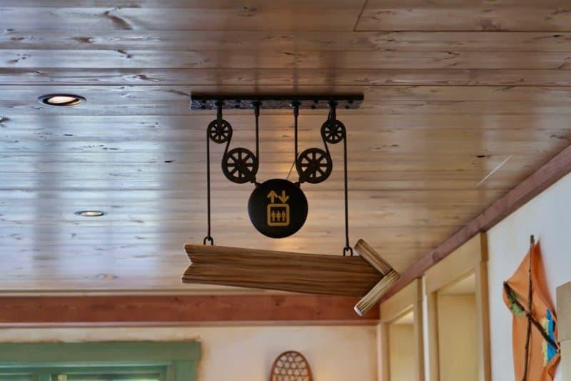camp-woodchuck-kitchen-tokyo-disneyland-mickey