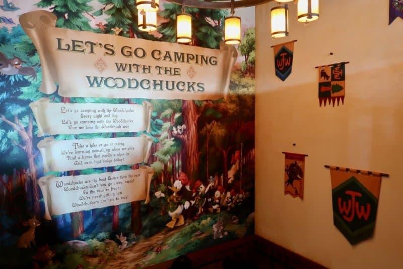 camp-woodchuck-kitchen-tokyo-disneyland-stairwell