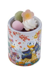 soybean-flour-mousse-with-souvenir-cup-front-750-new-years-2017-tokyo-disneysea