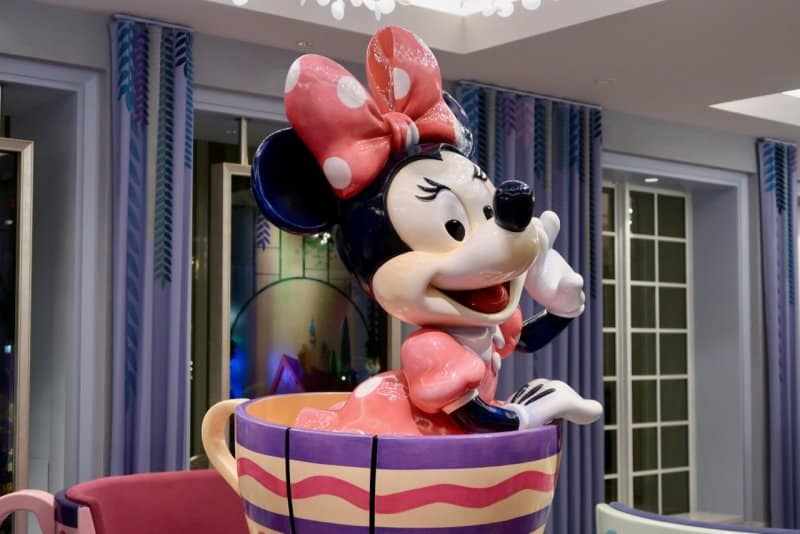Tokyo Disney Celebration Hotel Wish Minnie Mouse Statue
