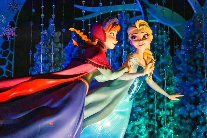 Anna and Elsa Frozen Fantasy Display Tokyo Disneyland