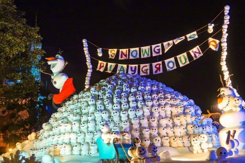 Anna and Elsa Frozen Fantasy Olaf Display Tokyo Disneyland