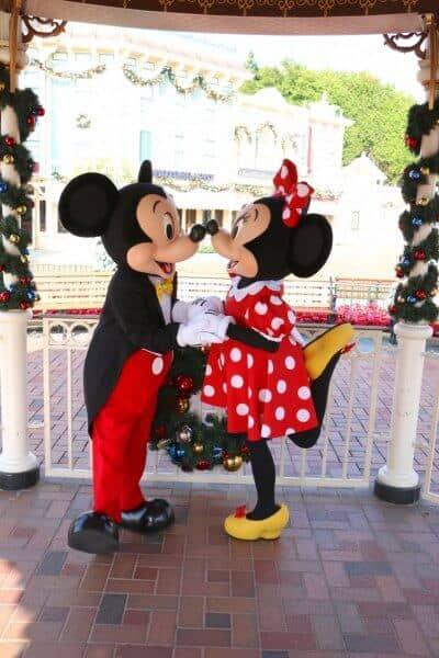 Mickey & Minnie New Faces Hong Kong Disneyland Kiss