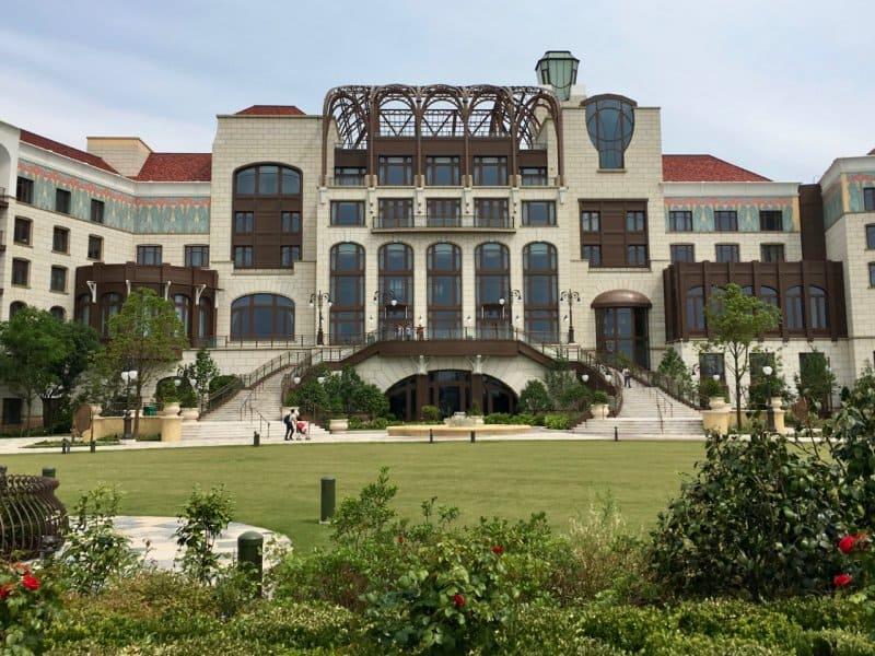 Shanghai Disneyland Hotel Garden