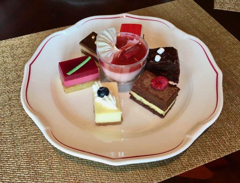 Shanghai Disneyland Hotel Lumieres Kitchen Desserts