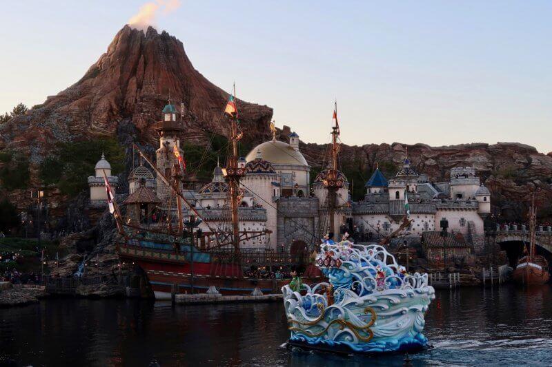 Tokyo DisneySea New Years Greeting 2017 Mount Prometheus