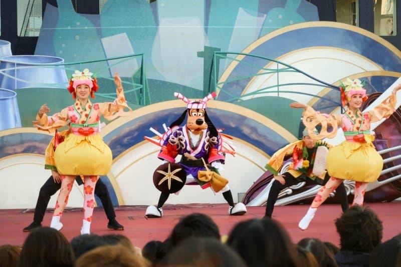 A Table is Waiting Tokyo DisneySea Goofy