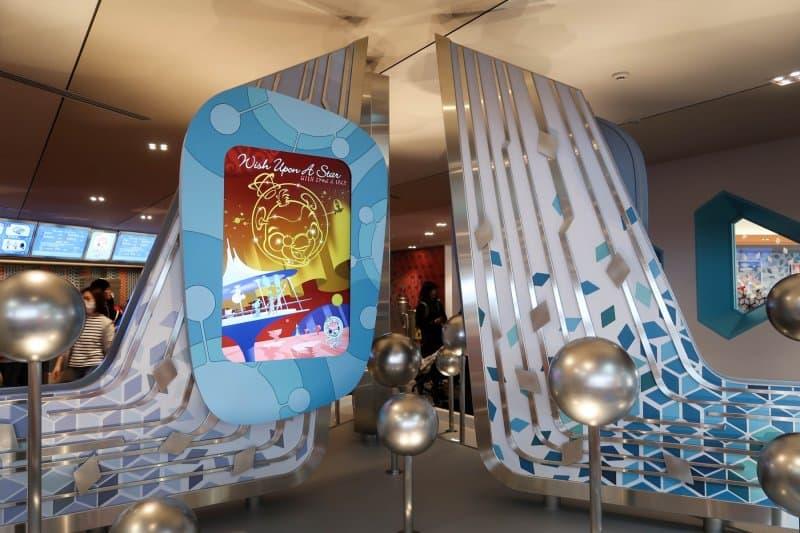 Decor Plazma Ray's Diner Tokyo Disneyland