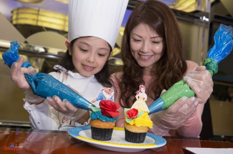 Hong Kong Disneyland Disney Friends Springtime Carnival Cupcake Decorating