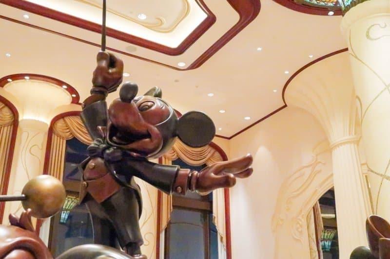 Shanghai Disneyland Hotel Mickey