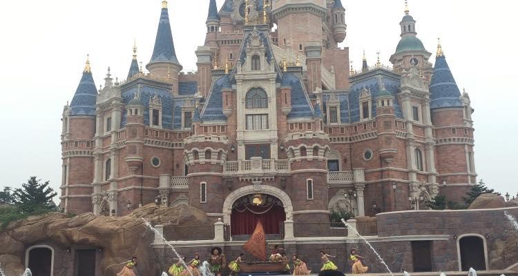 Maui in Summer Blast Shanghai Disneyland