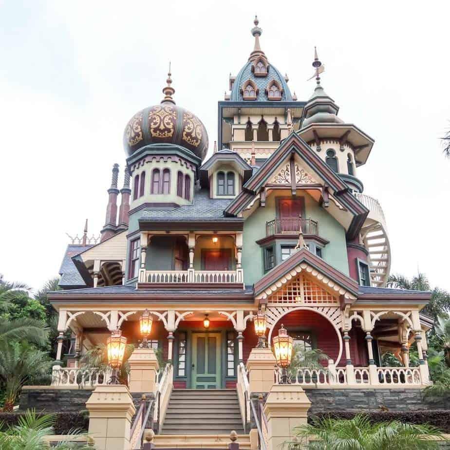 Mystic Manor Hong Kong Disneyland