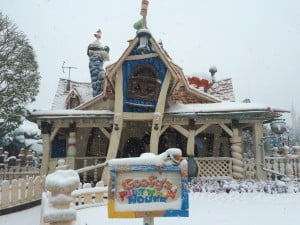 Goofy's Paint 'n' Play House Painted in Snow
