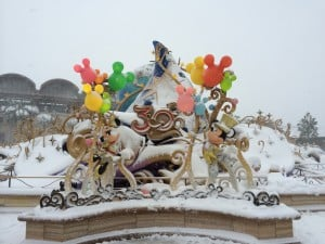 Tokyo DisneySea 30th Anniversary Decorations Covered in Snow