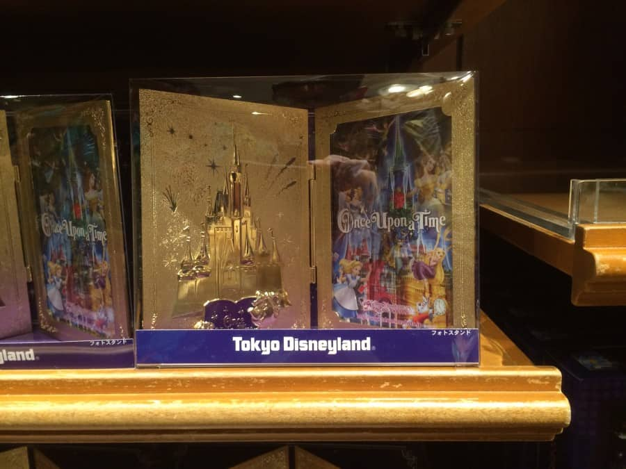 Golden Photo Frame Once Upon A Time at Tokyo Disneyland | TDR Explorer