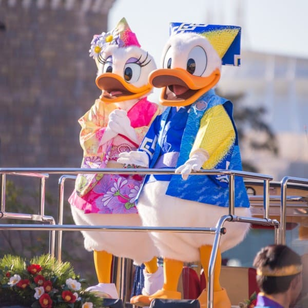 Daisy and Donald Tokyo Disneyland New Years Greeting 2015 Duy Phan Photography