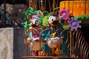Fashionable Easter at Tokyo DisneySea Donald and Daisy