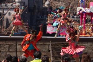 Fashionable Easter at Tokyo DisneySea Mysterious Island Dancers Upclose