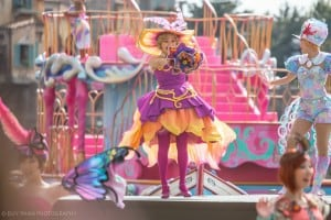 American Waterfront Performer Costume Upclose