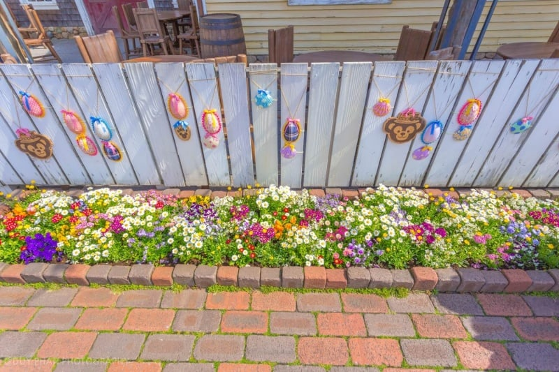 Decorated fence for Duffy's Easter Fair 2015 at Tokyo DisneySea