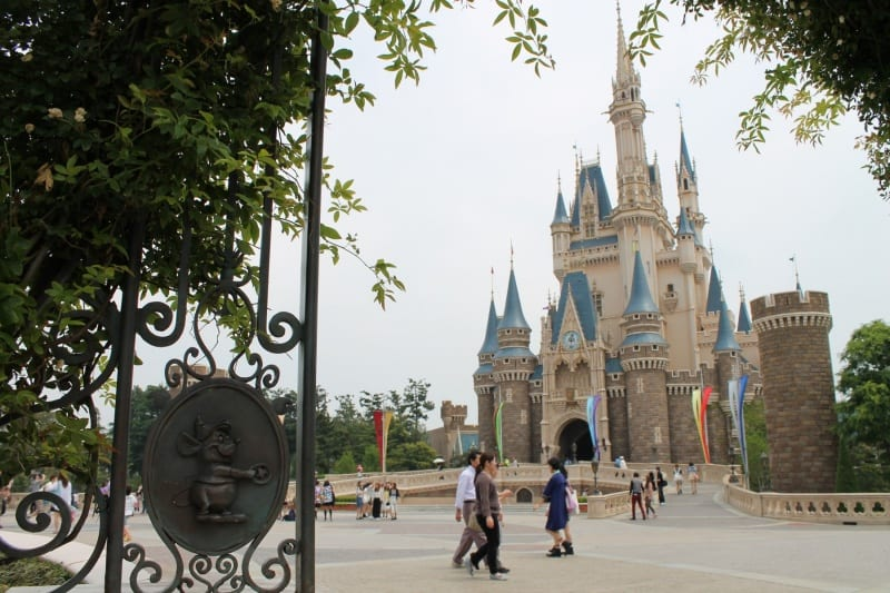 You could be here! It doesn't cost as much as you might think to go to Tokyo Disney Resort!