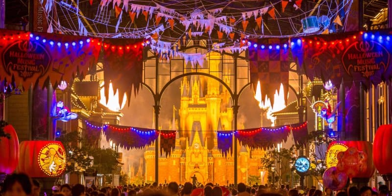 Best and Worst Times to Visit Tokyo Disneyland